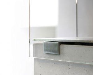 Conmoto Muro - detail uchycení skla