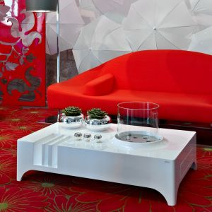 Glammfire Vulcanu - volně stojící bio krb - stolek v bílém provedení