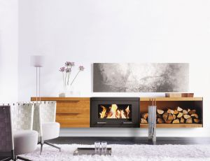 Skantherm Balance - závěsná krbová kamna, nábytek dub