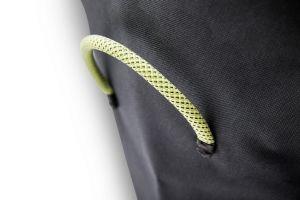 Ochranný obal na gril - Höfats Cone Cover - detail integrovaného madla