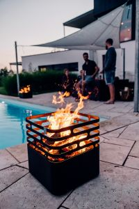 ohniště na dřevo Höfats Cube Black