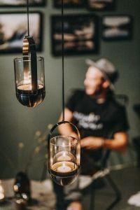 kovový svícen na čajové svíčky  Höfats Gravity Candle M60