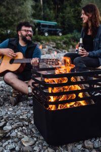 litinové ohniště Höfats Cube Black